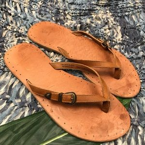 Frye T Strap Leather Sandals Size 10
